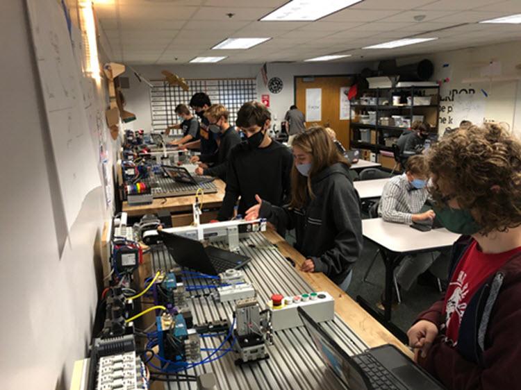 lakota-high-school-students-omron-elearning-voelker-controls